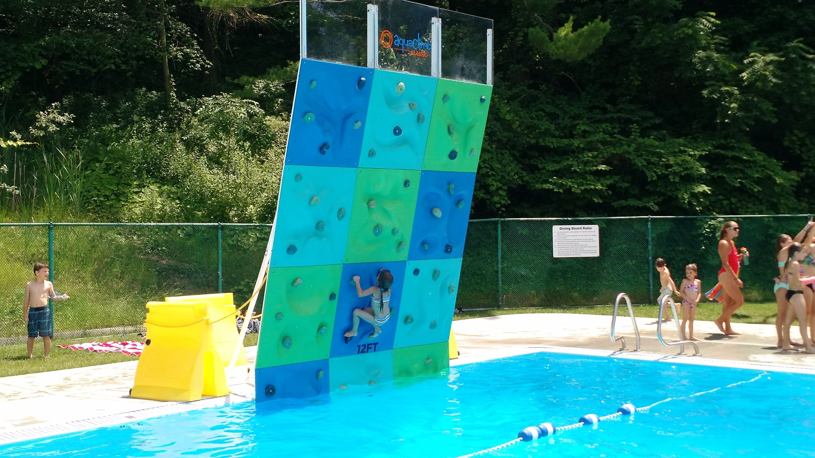 MTL Rec Pool - Climbing Wall